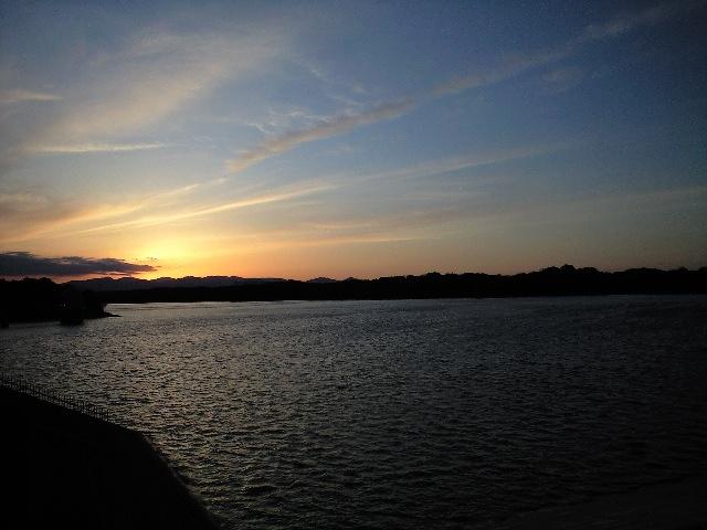 多摩湖日没